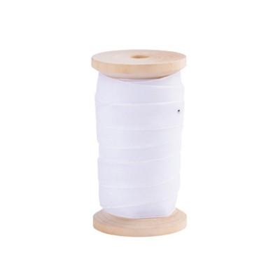 Ruban de velours blanc 1.3 cm x 5 m sur bobine en bois.