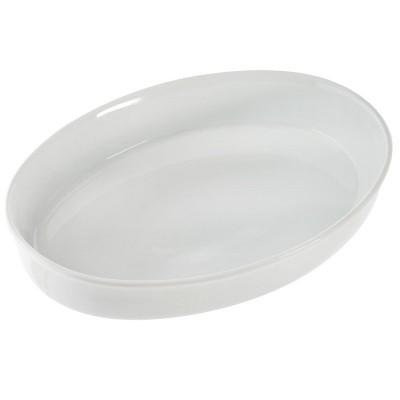 Plat à gratin en porcelaine blanche.