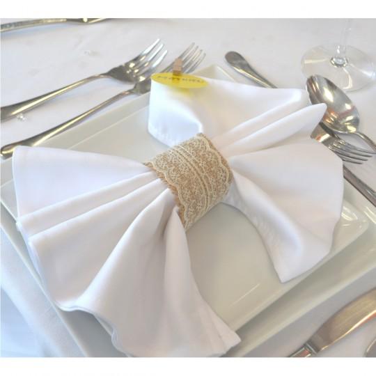 Serviette blanche tissu.
