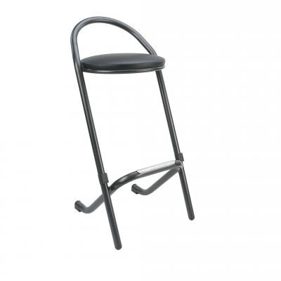 Tabouret de bar empilable.