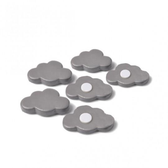 6 nuages gris en résine avec adhésif, 3 x 2 cm.