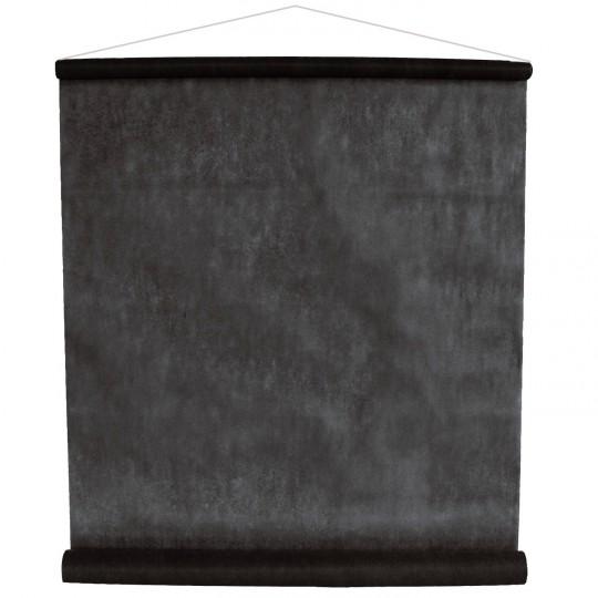 Tenture noire pour la salle en intissé polyester.