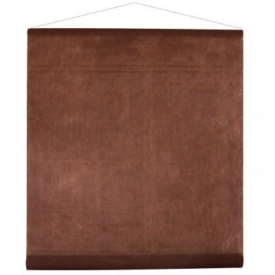 Tenture chocolat pour la salle en intissé polyester.